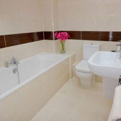 36 Hawthorn Rd Hastings Bathroom